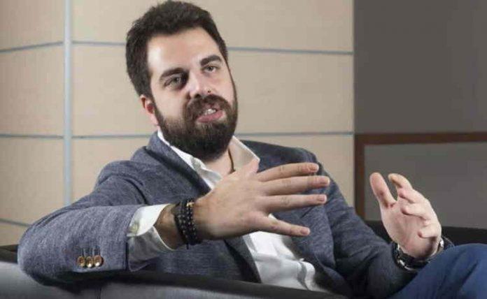 Krombera Dijital Pazarlama Ajansı Kurucu Ortağı ve Ajans Başkanı Alper Afşin Özdemir. haber görseli Mentor Haber'de.