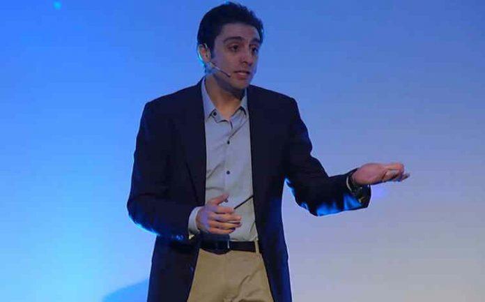 Zorlu Holding Yönetim Kurulu Üyesi Mehmet Emre Zorlu görseli Mentor Haber'de.